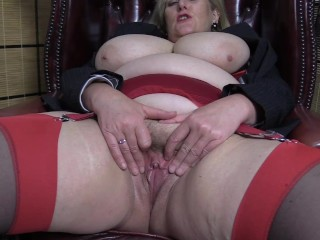 Filthy Mature Mom in stockings wants you to eat out her wet pussy.