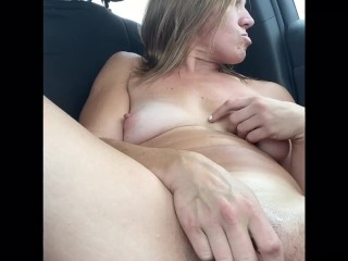 Big Ass Chick Fingers Herself  in Busy Parking Lot Fully Nude